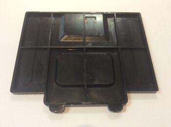 Крышка батарейного отсека для машин 828