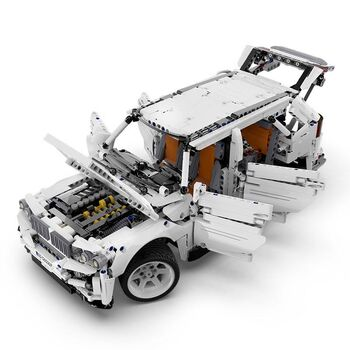 Конструктор CADA deTech внедорожник BMW G5 4WD (2208 деталей) - C61007W