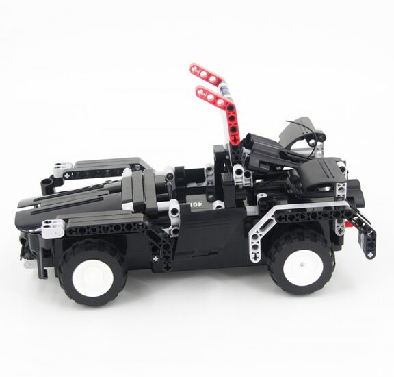 Радиоуправляемый конструктор - грузовик Тягач 8008 (486 деталей)